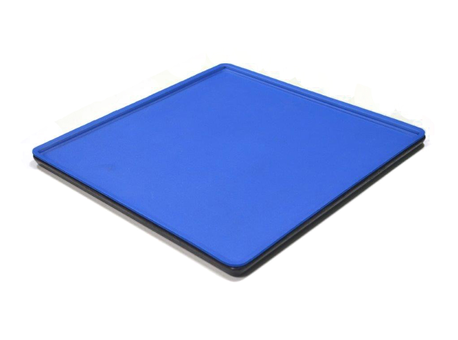 Assembling trays
